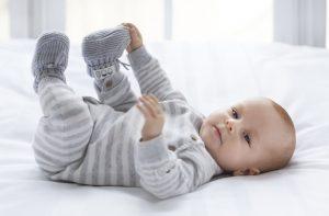 Baby boy eendelig pakje grijs wit gestreept